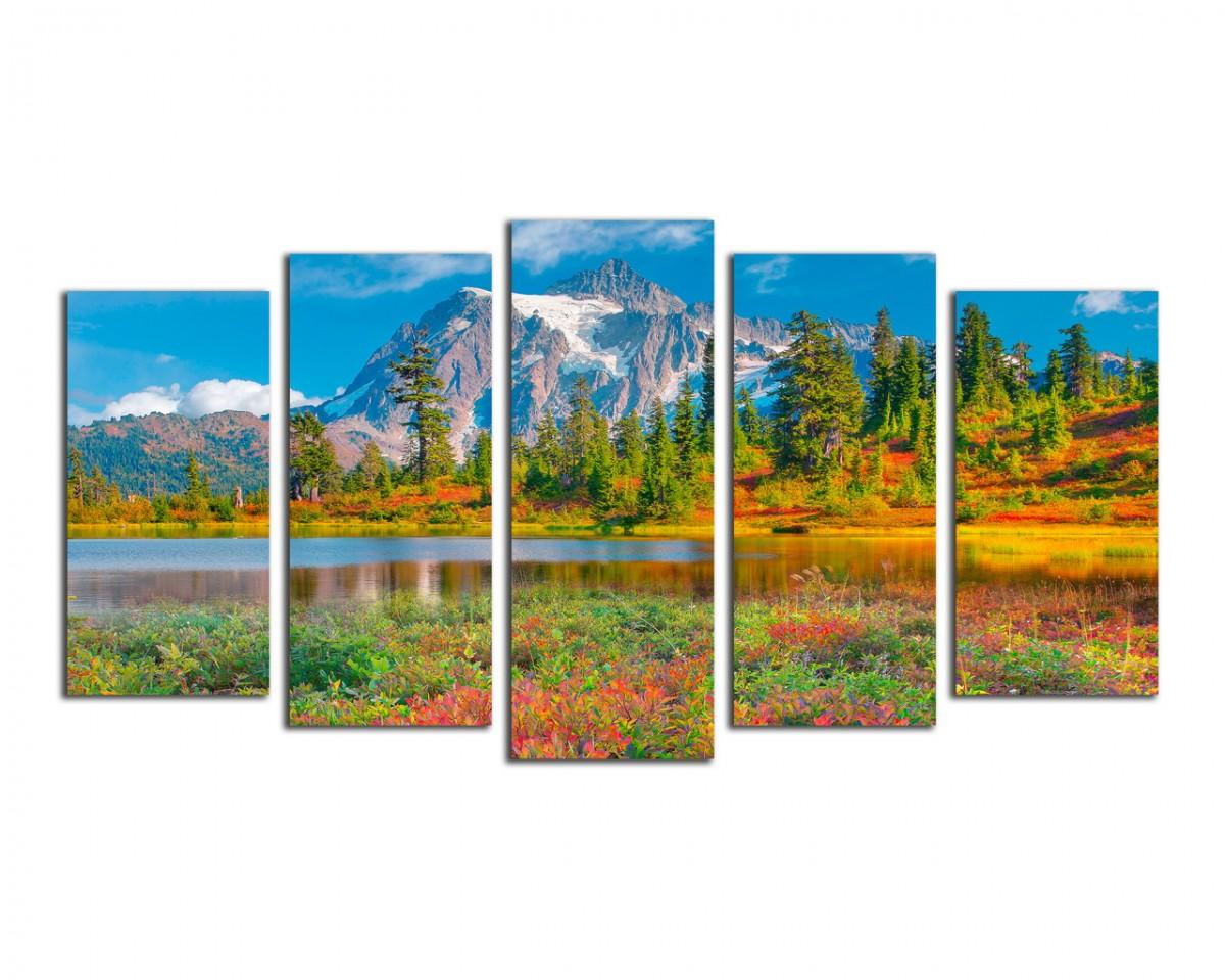 Пейзаж с горой и озером